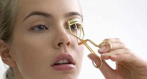 eyelash curler fail. 3 eyelash curler tricks to maximize your lashes - michelle phan \u2013 fail